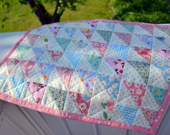 Quilted Table Runner Half Square Triangle Floral Table Mat Cottage Table Runner Cottage Style Quilt Vintage Style Quilt Table Quilt