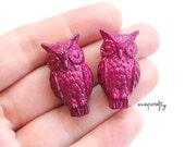 2pc vintage magenta lucite owl bead / lucite owl pendant / vintage focal bead