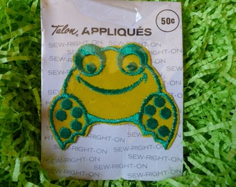 Vintage Sitting Frog Applique Embroidered Patch