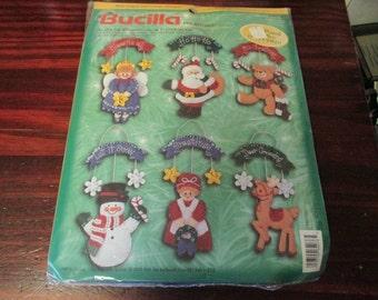 Felt Kit Bucilla Felt Ornament Kit Banner Greetings 84076 Sealed and Ready to Stitch Makes 6