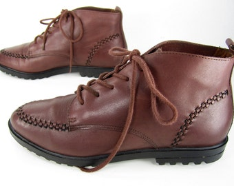 vintage 1980s 1990s RUST red brown leather ANKLE boots lace up booties womens 6 1/2 7 M GRUNGE preppy boho bohemian festival classic
