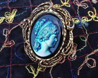 Vintage Blue Iridescent Cameo Ring