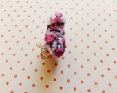 Poppy the Piglet -Vintage Style Handmade Chenille Dollhouse Figurine, Artisan Miniature Pipe Cleaner Animal Doll, Wire Ornament 42915