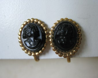 Cameo Black Gold Earrings Screw Vintage