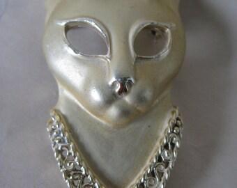 Cat Kitten Brooch Vintage Pin Gold