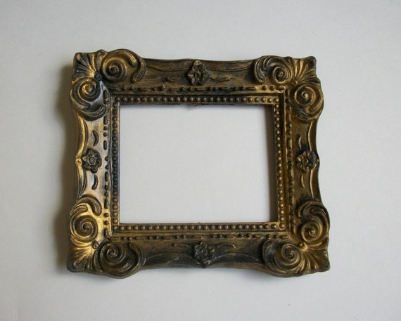 vintage small antique gold ornate picture frame plastic holds
