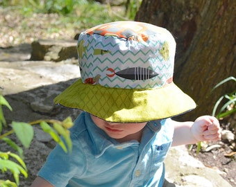 Toddler boy bucket hat, sun protection beach hat with brim, reversible and foldable hat, plaid and fish