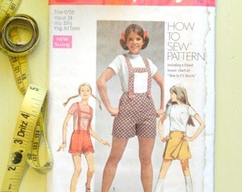 Vintage Sewing Pattern | 1969 Simplicity Young Junior Teens' Shorts with Suspenders and Skooter Skirt | Size 9-10