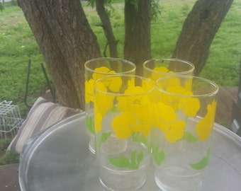 4 yellow poppy swanky swigs