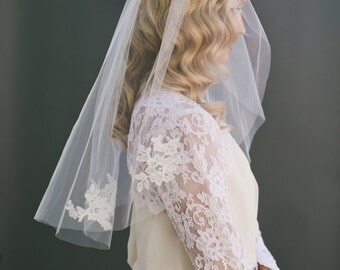 SALE Alencon Ivory Lace and Ivory Tulle Bridal Veil 1520