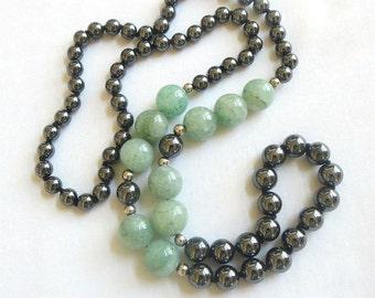 Vintage Hematite and Aventurine Polished Stones Beaded Necklace