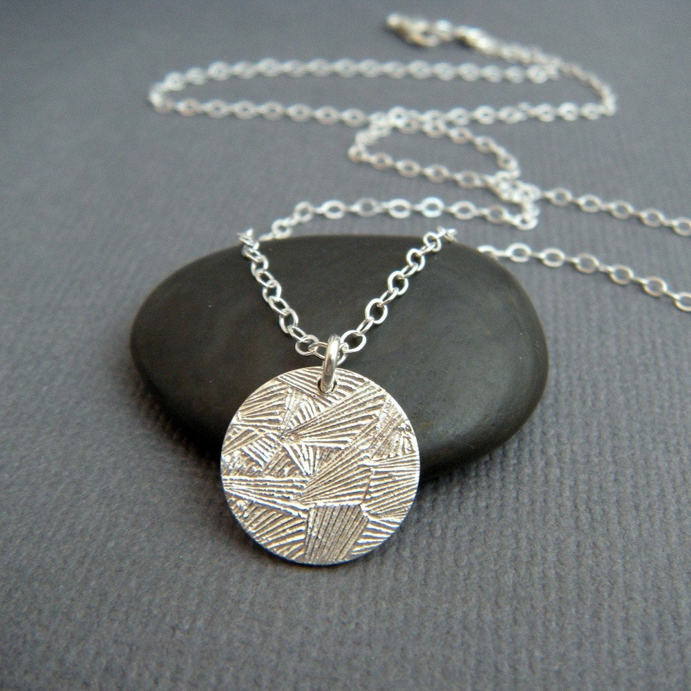 frost silver circle necklace. simple everyday pendant. small