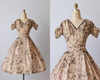 Vintage 1950s Dress / 50s Dress / Screen Print Dress / Full Skirt / Heaven's to Betsy