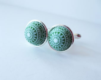 Green cuff links. White cuff links. Patterned cuff links. Vintage cuff links. Green white. Silver cuff links. Formal wear. French cuff shirt