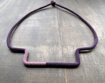 Sale 50 %: Purple and old pink minimalistic geometric crochet necklace light to wear