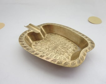 Vintage Brass Ashtray - Apple Shaped  Etched Brass Trinket Tray, Catch-all-dish, Pocket Change Dish - Small Brass Home Decor