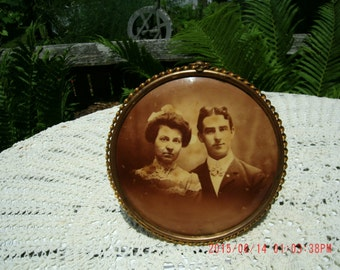 Vintage Victorian Antique 1800's Metal Frame with Man and Woman Shabby Charm*Farmhouse Chic*Prairie Style*