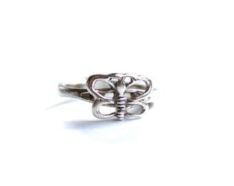 Vintage Butterfly Sterling Silver Ring - size 6.5 US - ABC2