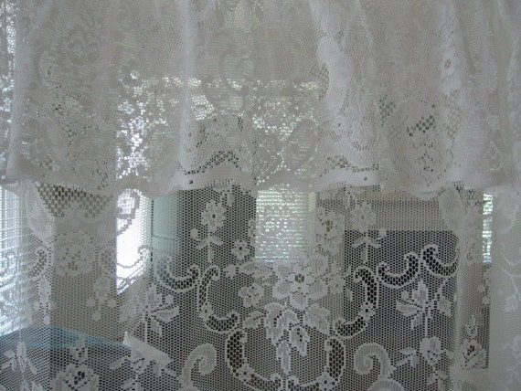 Lace Shower Curtain White Lace Shower Curtain with Attached