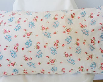 shabby pillowcase, floral pillowcase, shabby cottage, victorian pillow, shabby home decor, country home, blossom print