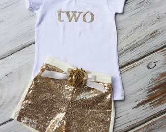 2nd Birthday Outfit- Baby Girls Birthday Clothes- Cake Smashing Outfit- TWO Gold shirt and Sequin Shorts- Glitter Gold Birthday Shirt