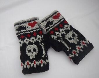 Mittens with skulls/Knit fingerless gloves/ fingerless mittens/skull pattern/ Wrist warmers