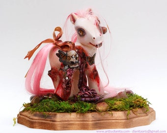 Bloody Bouquet - Custom My little pony Zombie with base. My Lil Zombie by Dianita - Collector's piece, display only.