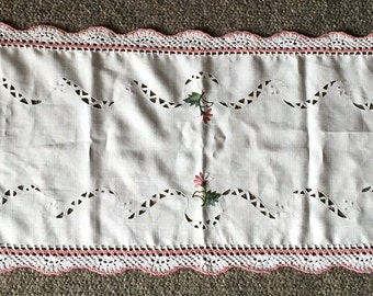 "Linen & Hand Crocheted Dresser Scarf Table Runner With Machine Applique Flowers 51"" X 15"""
