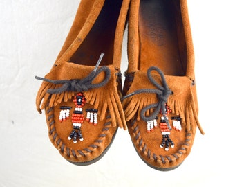 Vintage Minnetonka Beaded Thunderbird Vintage Moccasin Shoes - Women's Size 6