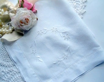 Towel, Linen Towel, Open Cutwork, Drawnwork Hem, Shabby Cottage, French Country, by mailordervintage one tsy