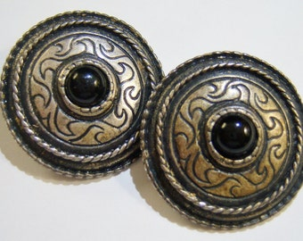 tarnished silver tone round clip on earrings with black bead center 415D