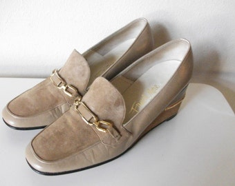Early 70's Tan Leather Platform Loafers, Size 7
