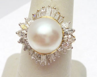 14 kt South Sea Pearl and 1.75 ctw Diamond Ring 1980s
