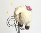 Pincushion animal butt magnet : needle felted sheep butt pin cushion - white with a pink and blue flower