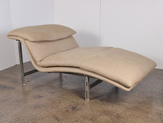 Saporiti wave chaise longue lounge by giovanni by for Chaise longue wave