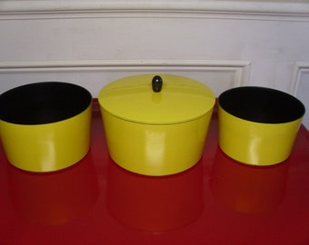 Vintage 1960's Nesting Snack Bowls