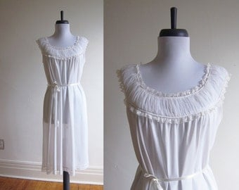 Vintage 1960s Nightie / White Ruffle Nightgown Peignoir Slip / Size Medium or Large