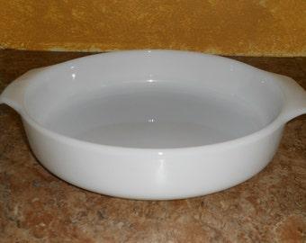 Fire King Round Anchor Hocking 9 in White Milk Glass Casserole Dish-Pie Dish