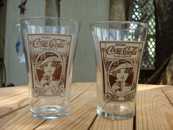 coca cola flair glass re creation glasses set of 2 glasses 16. Black Bedroom Furniture Sets. Home Design Ideas