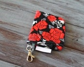 Skulls and Roses small clip-on Zip Pocket Pouch