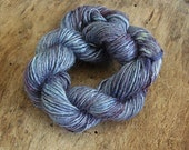 Handdyed and handspun tussah silk - Lavender - 10gr 60m