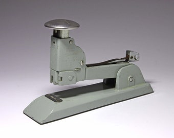 Vintage Heavy Duty Swingline Stapler - circa 1960's