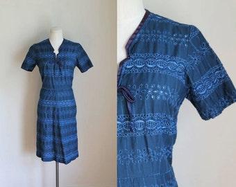 vintage 1940s wiggle dress - FADING FIREWORKS blue embroidery dress / M