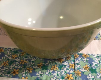 Vintage Olive Green Pyrex 403 2 1/2 Quart Mixing or Serving Bowl Made in The USA #3027