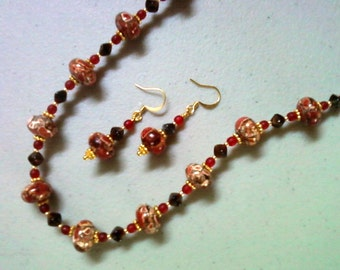 Red and Brown necklace and earrings (0370)