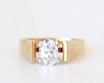 Icicle // Single Crystal Ring // size 8.5   // everyday gold jewelry