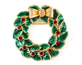 WREATH BROOCH LIA Signed Vintage Costume Jewelry Christmas Holiday Pin Gift Broach Leaf Bow Red Green Enamel Rhinestone Round