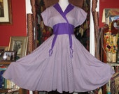 Fab 50s Purple and White Cotton Dress with Outrageous Pockets, L