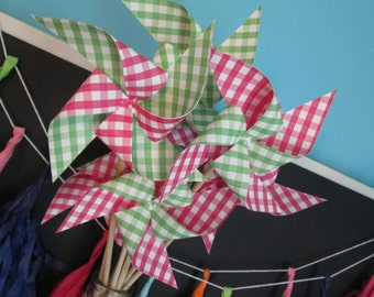 Paper Pinwheels Set of 24 Pinwheels Picnic Favors Birthday Party Favors Baby Shower Favors Party Decoration Table Centerpiece BBQ Favors