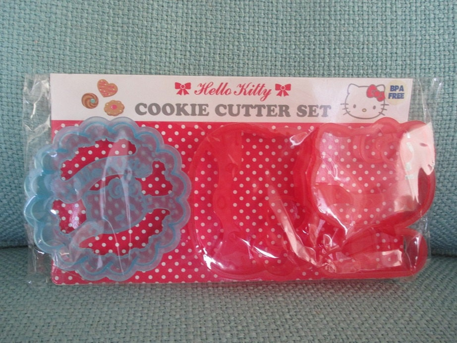 Vintage hello kitty cookie cutter